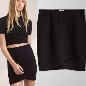 Aritzia Talula Sunday Best Black Primrose Skirt XS
